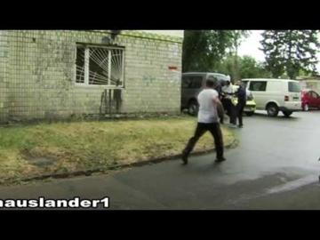 уличные разборки-преследование наркокурьера
